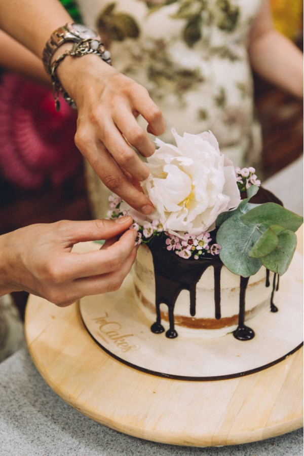 Кухонные фартуки с цветочным орнаментом