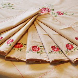 Антикварные салфетки с ручной вышивкой