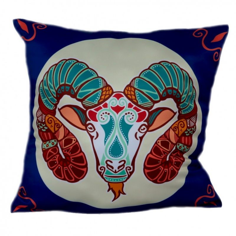 Подушка со знаком зодиака Рак