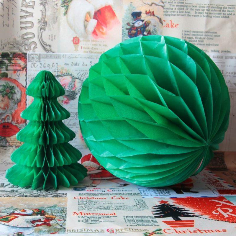 Бумажный зеленый шар