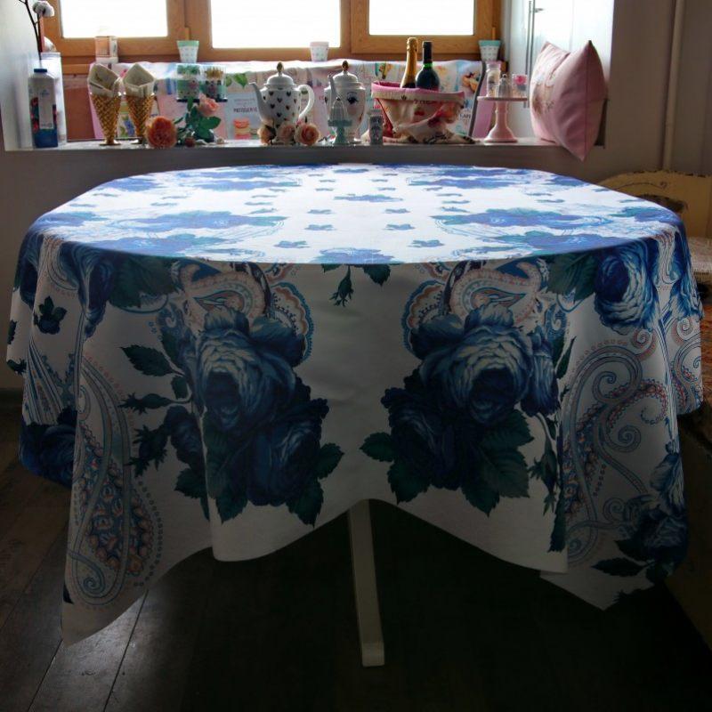Дизайнерская скатерть Розы гжель