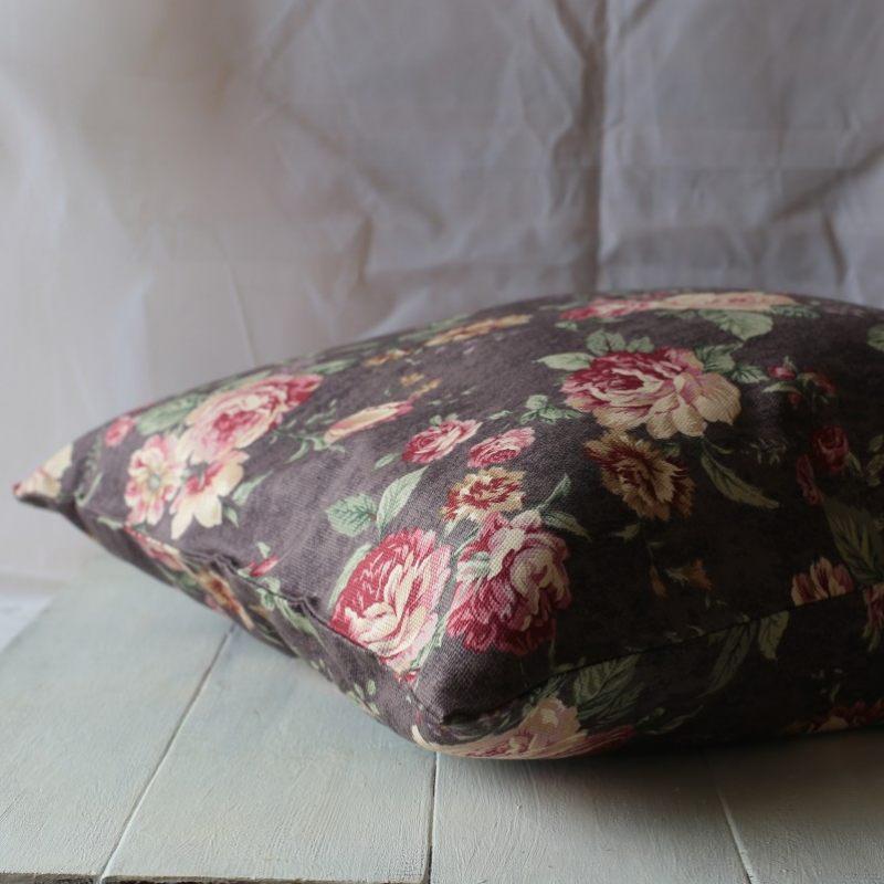 Декоративная подушка Розы шебби