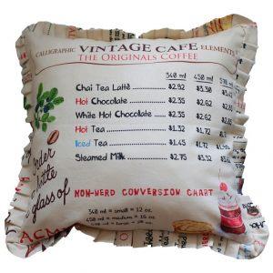Подушка Винтажное кафе с оборкой