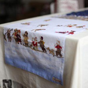 """Дорожка двухсторонняя на стол """"Рождественская история"""""""