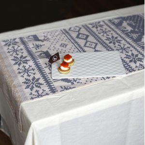 Двухсторонняя дорожка на стол с новогодним орнаментом