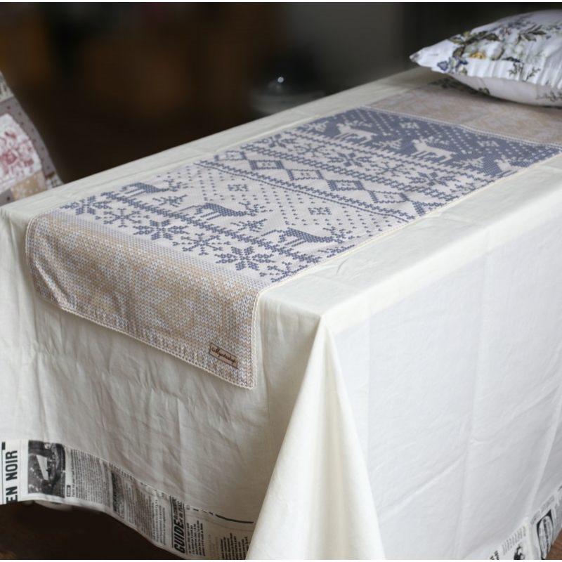 Односторонняя дорожка на стол с новогодним орнаментом