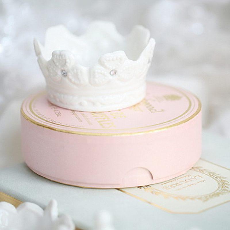 Корона из керамики для сервировки стола