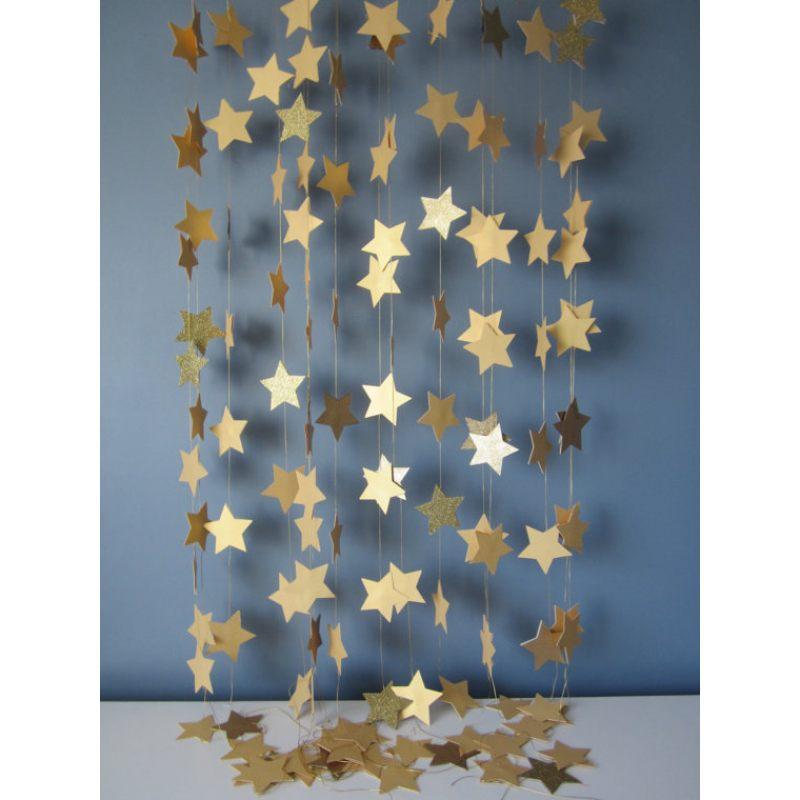 Гирлянда из золотых звезд