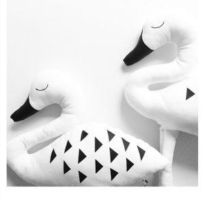 Мягкая игрушка Лебедь черно-белый