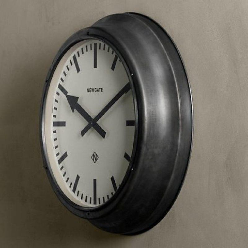 Часы Дифрент RESTORATION HARDWARE 65 см