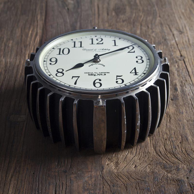 Часы настенные ROOMERS 19 см