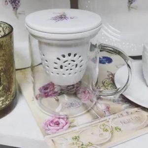 Стеклянная кружка с фарфоровым ситечком Уютный дом-Лаванда