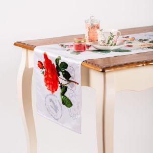 """Дорожка на стол """"Цветы с марками"""""""