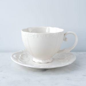 Чашка и блюдце с Ангелочком кремовые