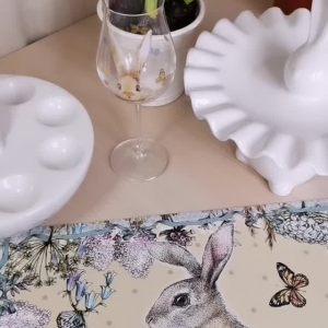 """Салфетка под горячее """"Кролик"""" (на бежевом фоне)"""