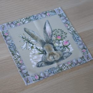 """Салфетка """"Кролик в цветах"""""""