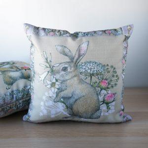 """Подушка двусторонняя """"Кролик на лужайке"""""""
