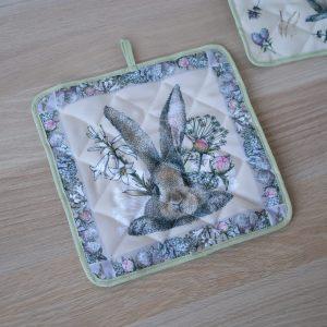 """Прихватка """"Кролик в цветах"""""""
