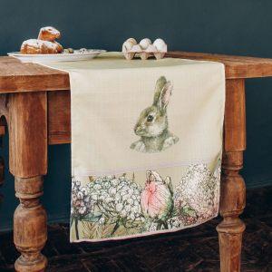 """Дорожка на стол """"Кролик в цветах"""""""