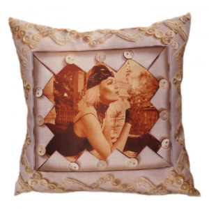 Декоративная подушка Ретро девушка