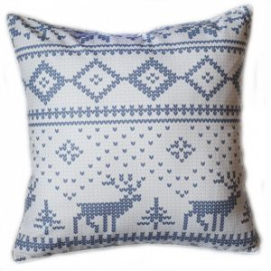 Подушка с новогодним орнаментом