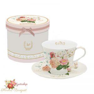 Чашка с блюдцем с гортензией, Букет цветов