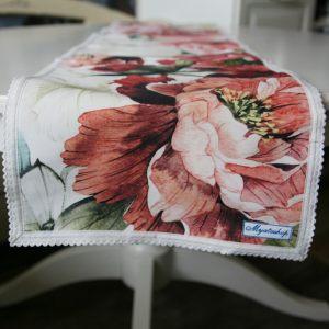 Дорожка на стол с розами