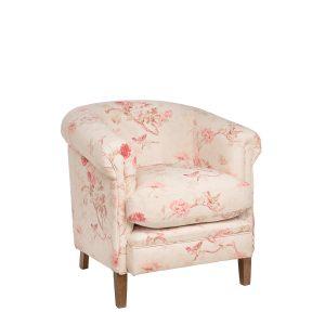 Кресло с большой подушкой
