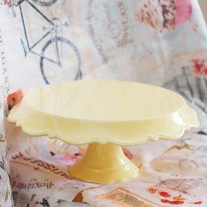Кейкстенд свадебный желтый