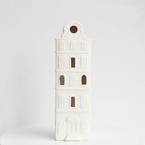 Высокий дом-подсвечник